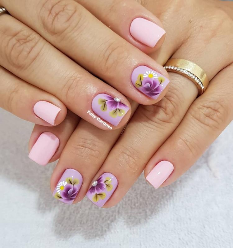 Unhas decoradas pelas melhores manicures do Instagram